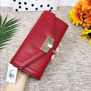 NWT Michael Kors Kinsley Carryall Leather Wallet